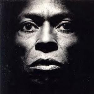 Miles_Davis-Tutu_(album_cover)